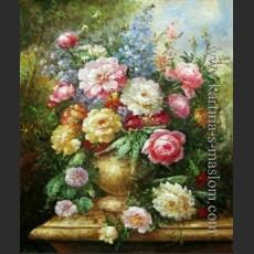 Английский натюрморт с розами в золотой вазе